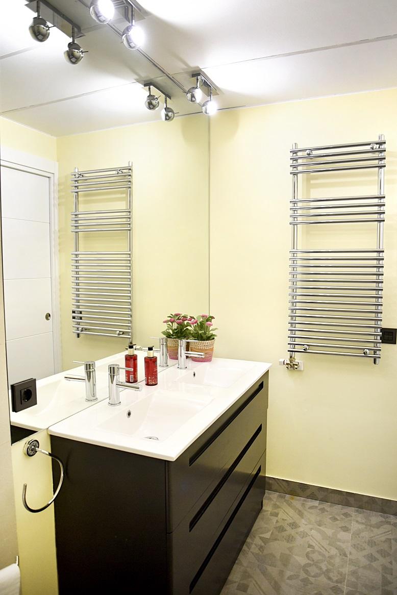 dos-lavabos-y-mueble-de-baño-lacado-zaragoza