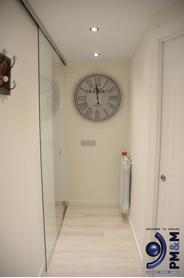hall-2-decorado-en-vivienda-de-diseño-en-zaragoza
