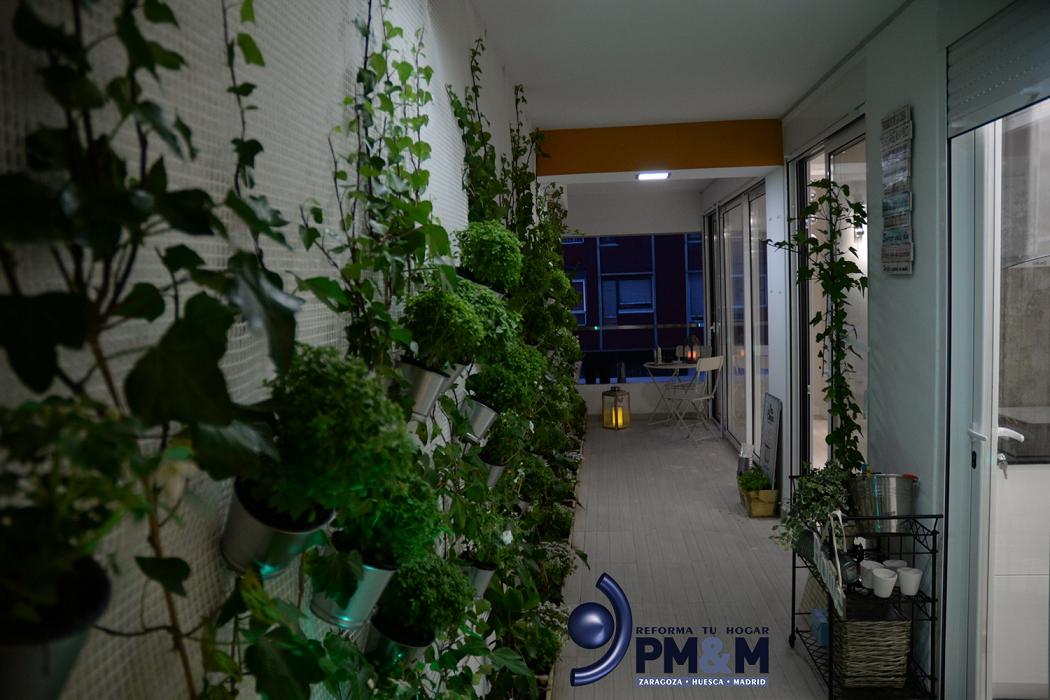 jardin-vertical-en-interior-de-vivienda-en-zaragoza