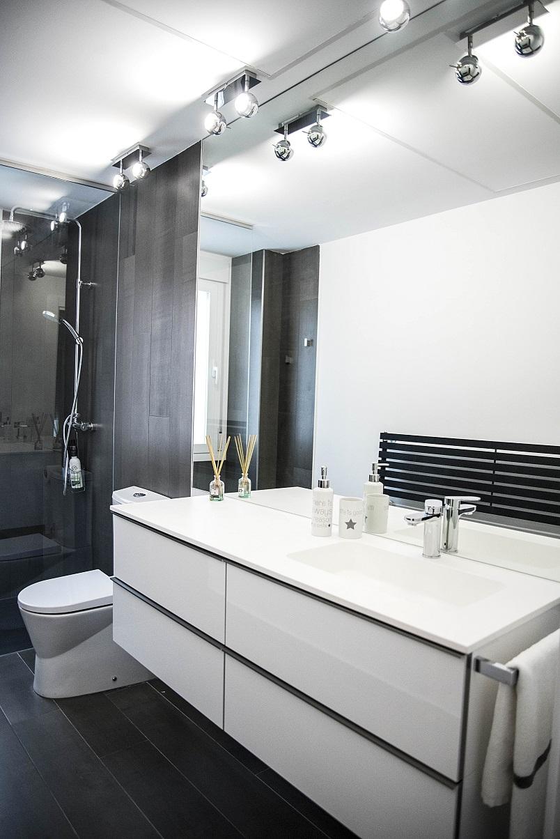 lavabo-carga-mineral-con-gran-espejo-zaragoza