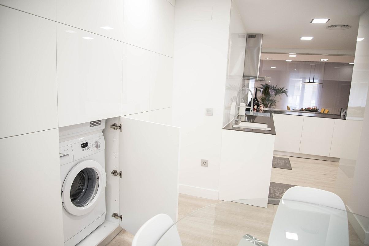 lavadora-integrada-muebles-de-cocina-blanco-brillo-zaragoza