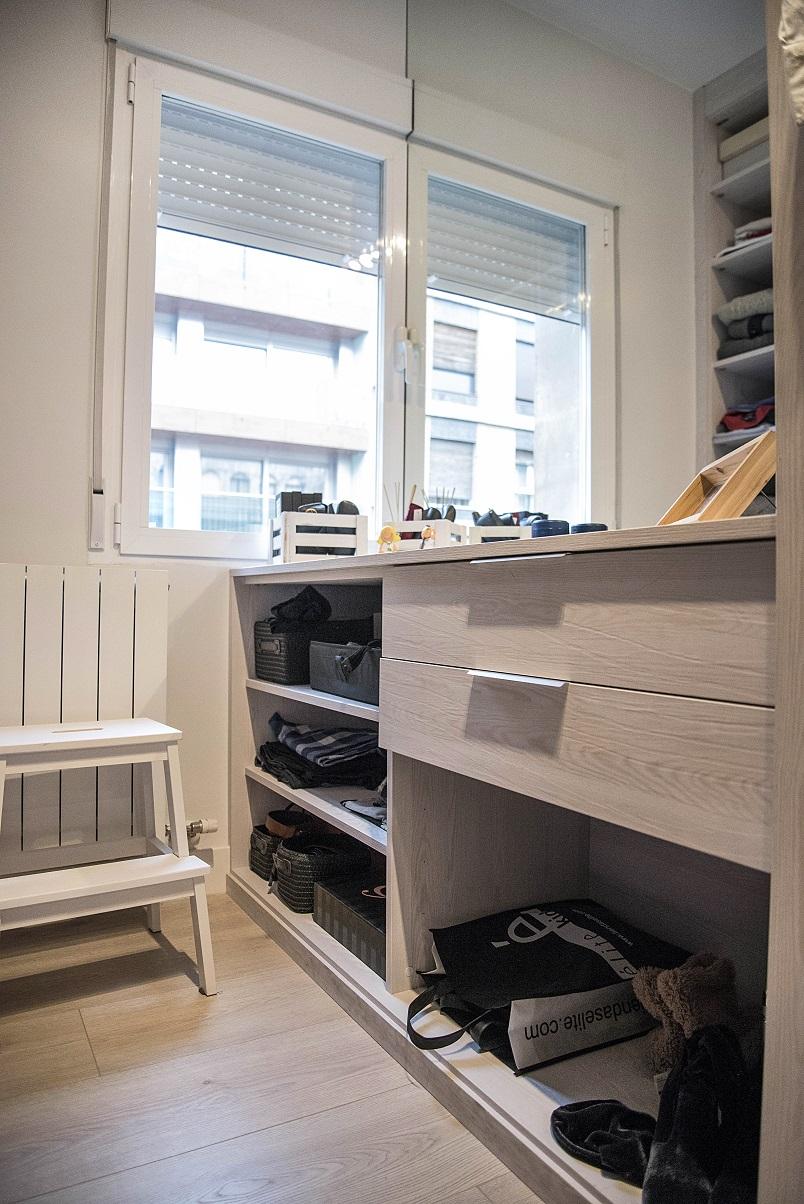 vestidor-diseño-madera-clara-zaragoza-a-medida